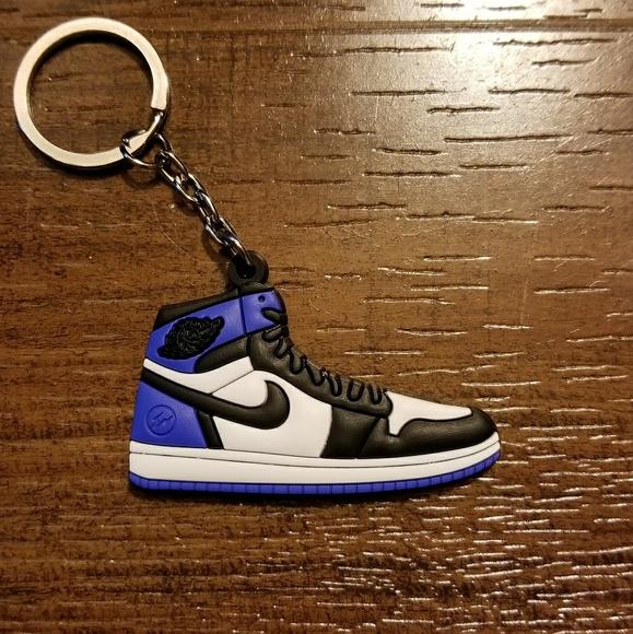 e1f3efe32f66 Jordan 1 Retro Fragment Shoe Keychain